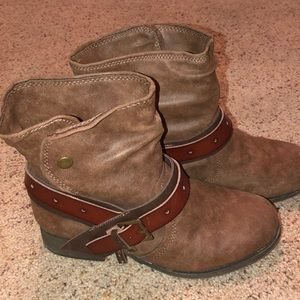 fa9cc0936969 Maurices slouch cowboy style Boot